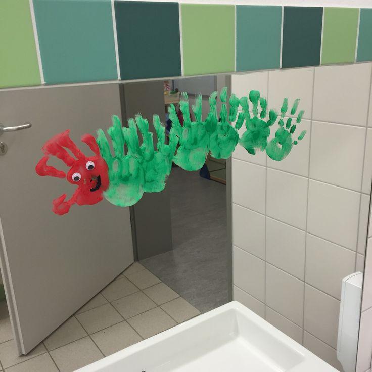 Die kleine raupe nimmersatt u3 handabdruck fingerfabe spiegel raupe pinterest - Raupe basteln kindergarten ...