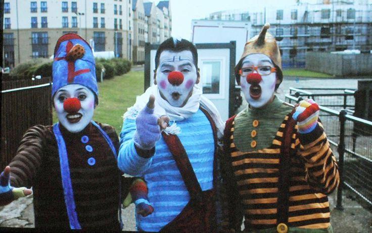 La compañía de danza clown Triciclo Rojo celebra una década de trayectoria