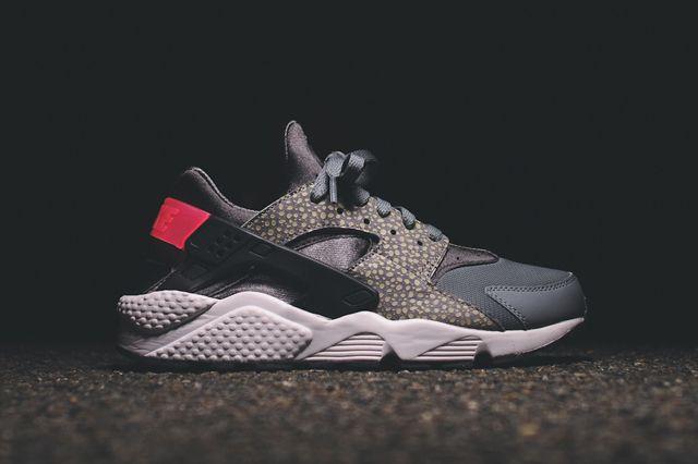 Nike Air Huarache Ultra (BlackRed) Sneaker Freaker