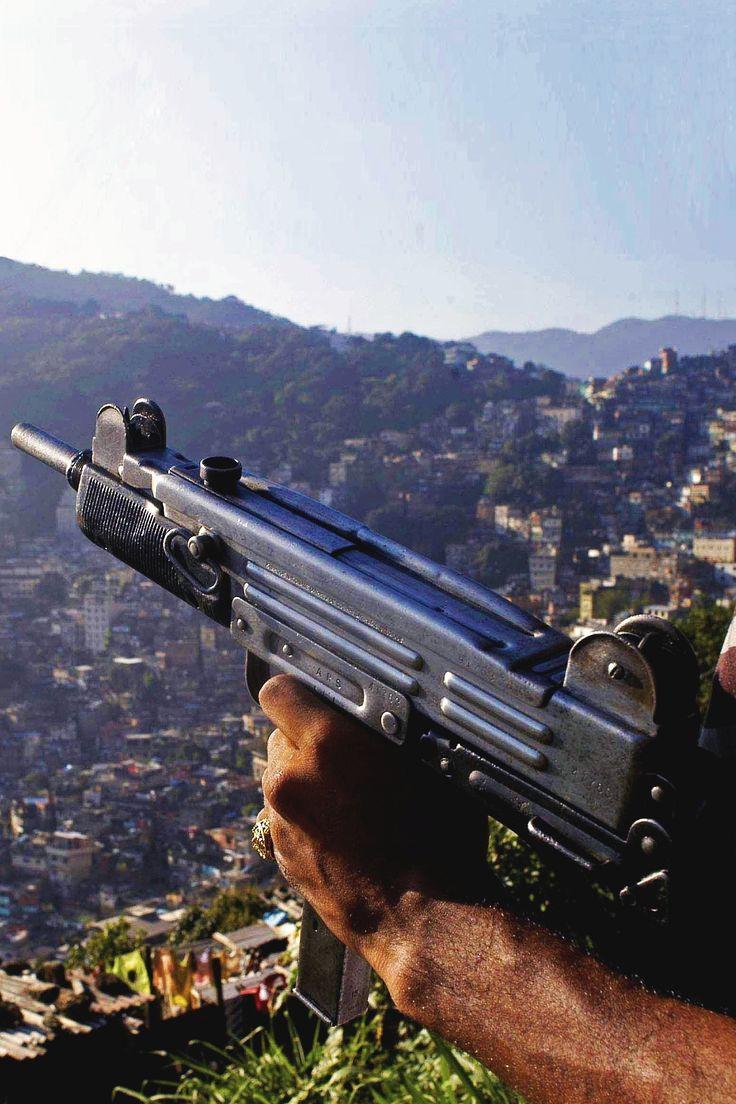 For sale trade imi uzi carbine made in israel 9mm - Uzi Machine Pistol Miniature Version Of Original Ingenious Israeli Design Of A Submachine Gun