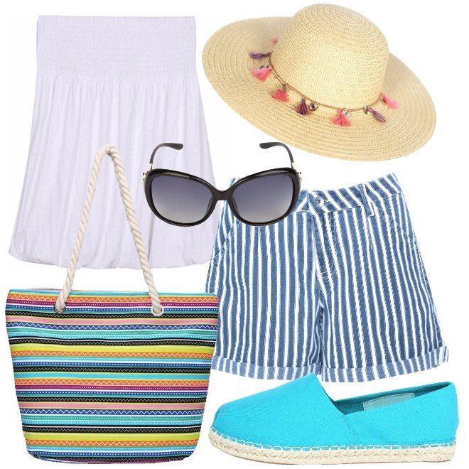 Una proposta ideale per la spiaggia o per fare shopping durante la vacanza. Il top bianco in modello a fascia è abbinato ai pantaloncini di jeans, in fantasia rigata blu e bianco. Le espadrillas basse sono in tela color turchese e la shopper, con manici in corda è in fantasia rigata multicolore. Gli occhiali da sole neri ed il cappello in paglia, con nappine colorate, completano il look.