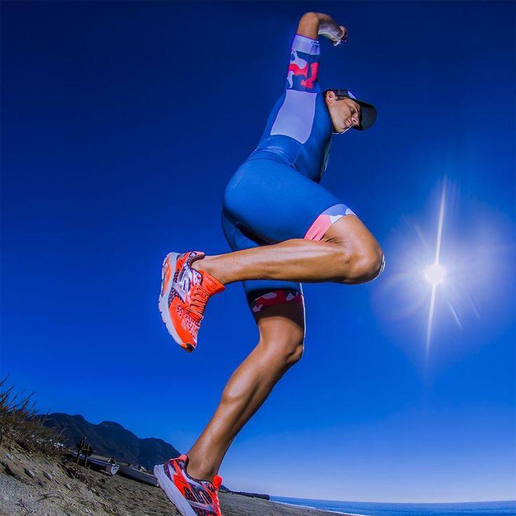 Pon a prueba a nuestro #T60.5 neuro: corre, nada, salta y vuelve a hacerlo sin parar. Máximo rendimiento en todas nuestras prendas. Compruébalo tú mismo  #taymorytri #triathlon #triatlon #triathlete #triatleta #wearyourdreams #chaseyourdreams #taymorylife #taymory
