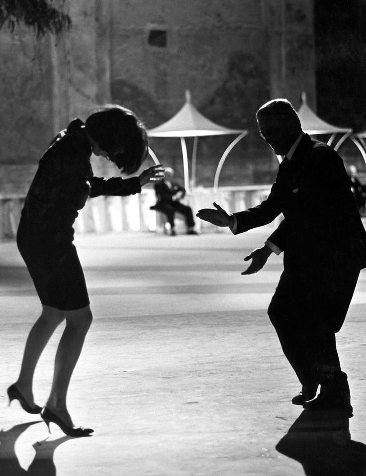 A scene from Fellini 81/2
