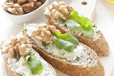Volete preparare un veloce spuntino da stuzzicare con i vostri amici?  Scopri tutti i nostri #consigli: http://www.dimmidisi.it/it/dimmidipiu/idee_in_pochi_minuti/article/finger_food_take_it_easy.htm - #dimmidisi #food #break #snack #fingerfood