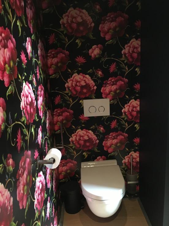 Te koop - Huis 4 slaapkamer(s)  - bewoonbare oppervlakte: 198 m2  - Ruime moderne nieuwbouwwoning (bouwjaar 2011).Deze lichtrijke woning geeft dankzij de hoge plafonds en gebruik van grote glaspartijen een bijzonder   - bouwjaar: 2011-01-01 00:00:00.0 - wasplaats - dubbel glas 1 bad(en) -  1 douche(s) -  3 gevel(s) -  2 toilet(ten) -  - met zwembad - eetkamer - oppervlakte keuken: 24 m2 - oppervlakte zolder: 6 m2 - oppervlakte living: 20 m2 - oppervlakte eetkamer: 24 m2 - oppervlakte terras…