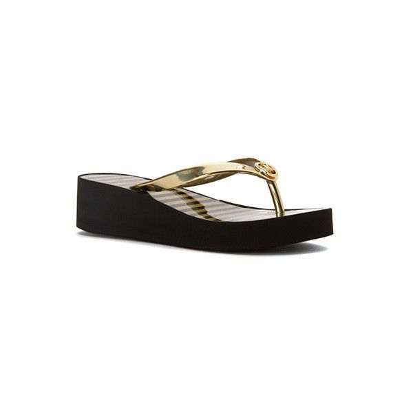 MICHAEL Michael Kors Bedford Flip Flop Shiny (80 CAD) ❤ liked on Polyvore featuring shoes, sandals, flip flops, michael michael kors sandals, goth shoes, striped shoes, glitter flip flops and glitter shoes