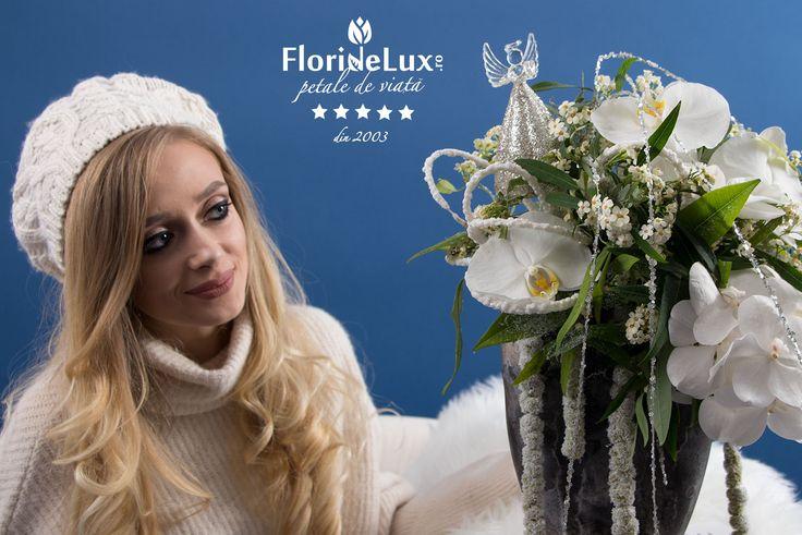 Buna dimineata, iarna! Si bine ne-am regasit! 😍❄ #hellowinter #hellodecember #floridelux Nu uita! Miercuri este 6 decembrie, Sfantul Nicolae: https://www.floridelux.ro/colectii-florale/flori-iarna-colectii-florale-iarna/hello-winter-2017/