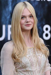 """Elle Fanning ~~~~SUCH A WONDERFUL ACTRESS....FANTASTIC WITH BEN AFFLECK """"Live By Night"""" 2017"""
