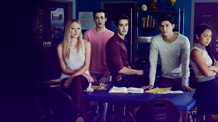 [Global] Watch Degrassi: Next Class (2016): The quintessential High School show that examines social issues and is full of typical high school drama!