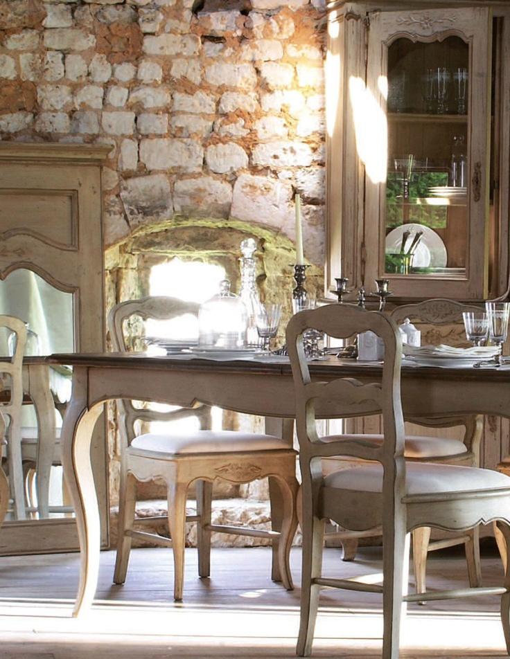 Salle à manger décorée par la Collection Châteaux & Dépendances - Copyright Interior's France
