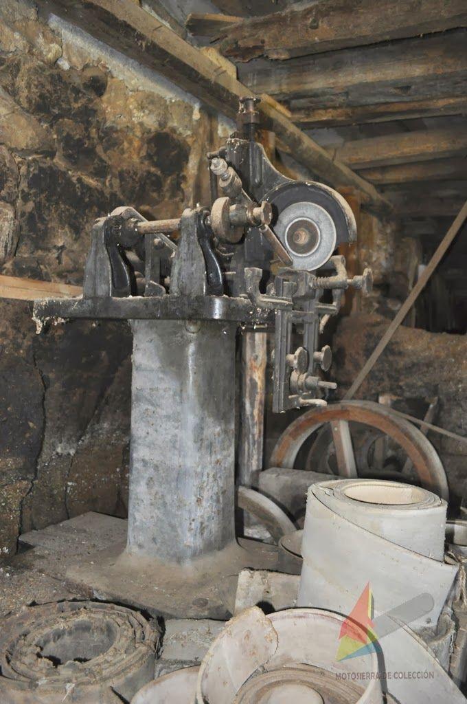 Motosierra De Colección: Afiladora para sierras de cinta de volante (segunda mitad del siglo XIX) - Chain Grinder for saw band wheel (second half of the nineteenth century)
