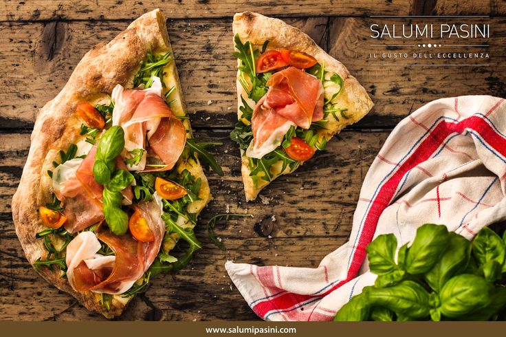 Pizza? Si ma con qualche fetta di Prosciutto Crudo! / Pizza tonight? Yes but add some Prosciutto Crudo di Parma slices and it will taste terrific! #salumipasini #prosciutto #ham