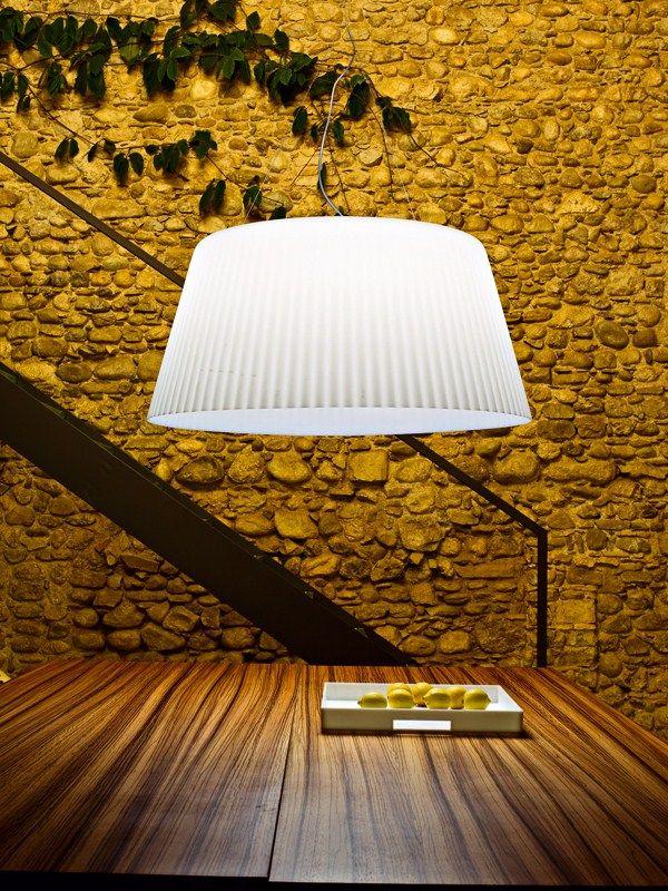 Polyethylene pendant #lamp LAMPA-DARIA by Serralunga   #design Luisa Bocchietto @ laluce Licht&Design Chur