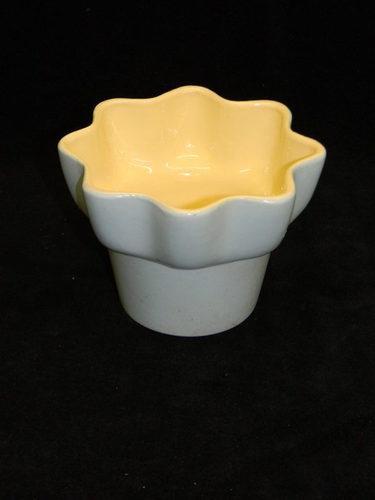 Beautiful Vintage HULL 150 USA Pottery Planter Flower Pot: Flowers Pots, Planters Flowers, Flower Pots