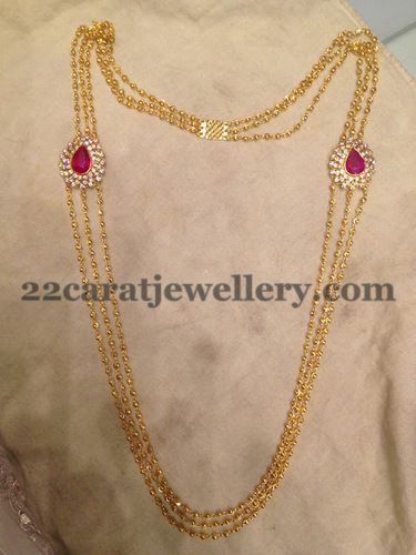 Jewellery Designs: Simple Chandra Haar with Clasps