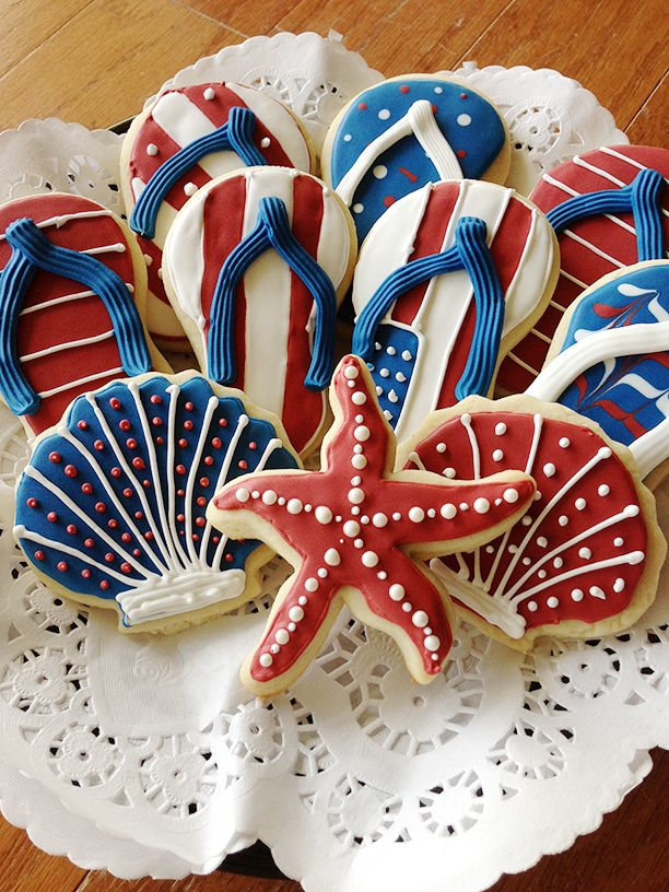 Patriotic summer cookies ! Please try our new #carouselboxes / #treatboxes. They…