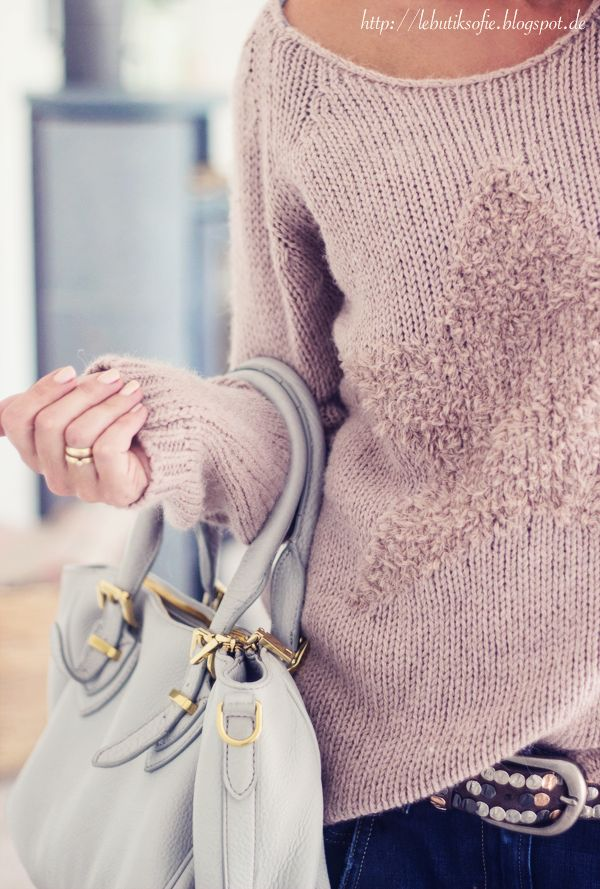Sweater, bag, belt