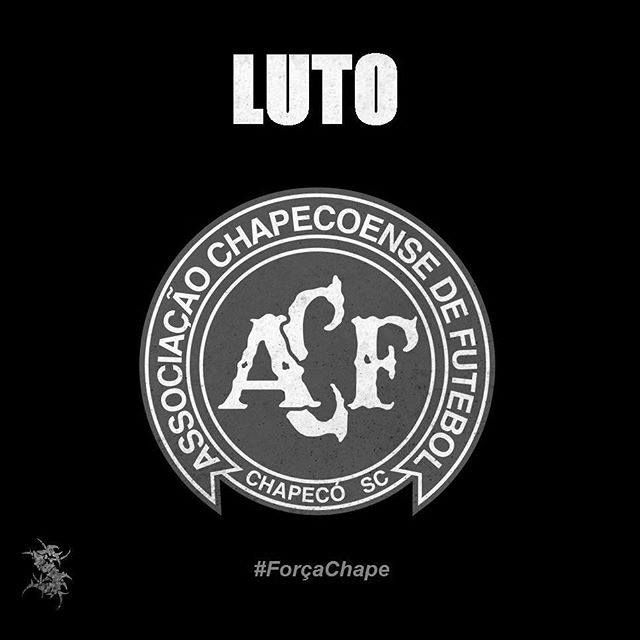 Sepultura: Compartilhando luto pela tragédia do Chapecoense https://www.facebook.com/sepultura/photos/pb.10403151923.-2207520000.1480726605./10153887526246924/?type=3&theater