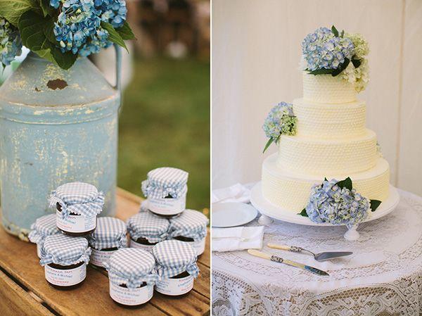 Hydrangea cake decor