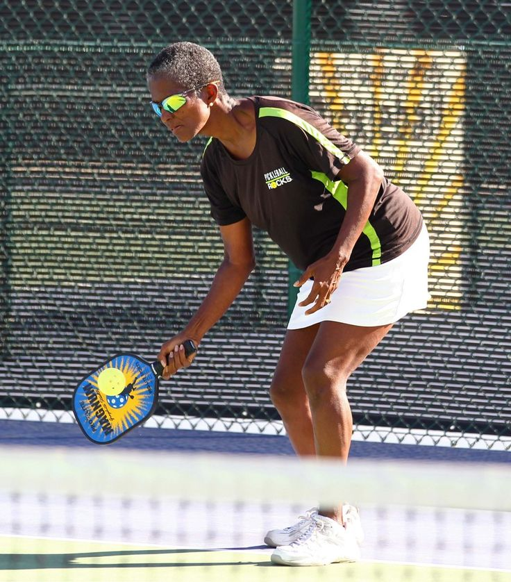 Fall brawl in pickleball attracts hundreds to little