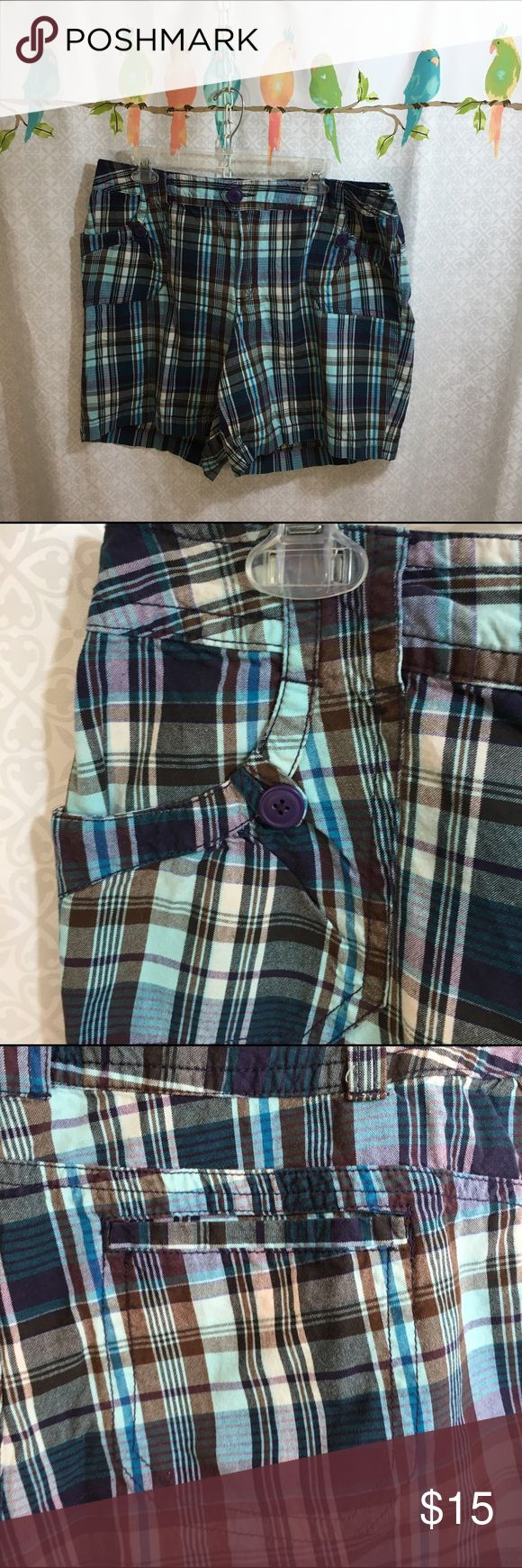 JMS Just My Size Blue/Brown/White Shorts - 20W These beautiful plaid shorts have a 40 inch waist and are 48 inches in the hips.  Always happy to bundle.  ☺️. Wearing preowned clothing is an ethical way to have a fashionable wardrobe. Feel free to ask any questions and thank you for visiting my closet. Just My Size Shorts