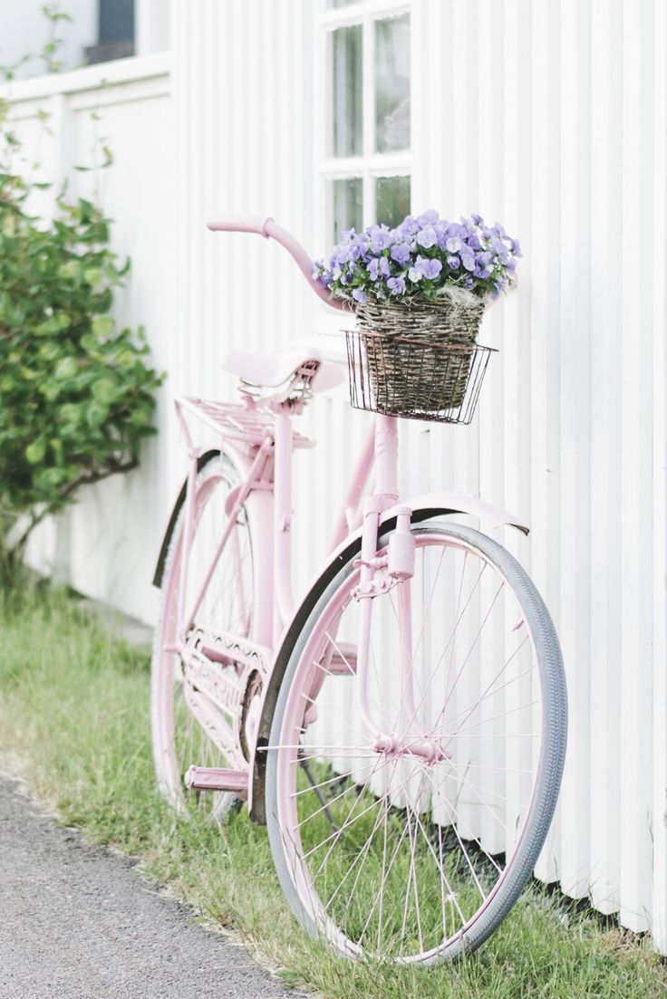 Pink-Vintage-Bike-Vrango-Island