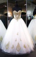White Ball Gown Sweetheart Tulle Floor Length Appliques Lace Stunning Prom Dress