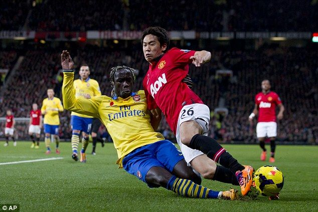 Sagna then wins the ball from the Japanese forward