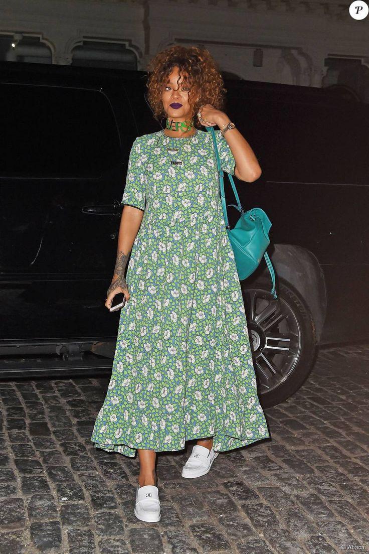 Rihanna de sortie à New York, porte une robe florale Marni et de…