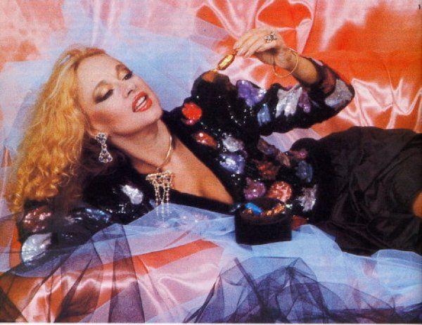 Όταν η Αλίκη έκανε μόδα για το πρωτοχρονιάτικο ρεβεγιόν του1982