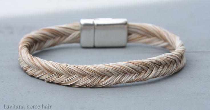 www.lavitana.com Gevlochten armband met paardenhaar. Verschillende mogelijkheden. Zie haar website