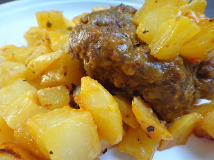 Camp Recipe: Cheesy Taco Burger Potato Foil Packet