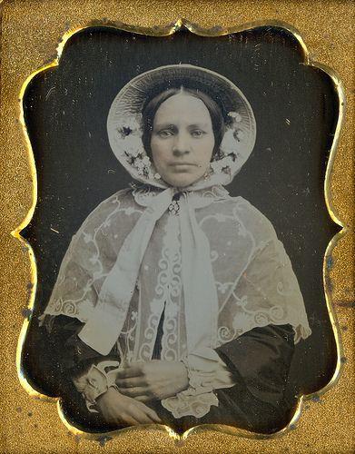 old: Beautiful Bonnets, Fashion, Beautiful Woman, 1840S, Vintage Photos, Bonnets Hats, Beautiful Women, Pretty Victorian, Victorian Beautiful
