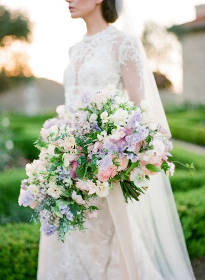 Lovely spring wedding inspiration: http://www.stylemepretty.com/2016/03/29/the-prettiest-wedding-details-for-every-season/