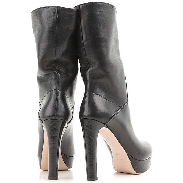 Man bietet elegante Miu Miu Schuhe für Damen und andere Designer Schuhmarken , der letzten Kollektion.