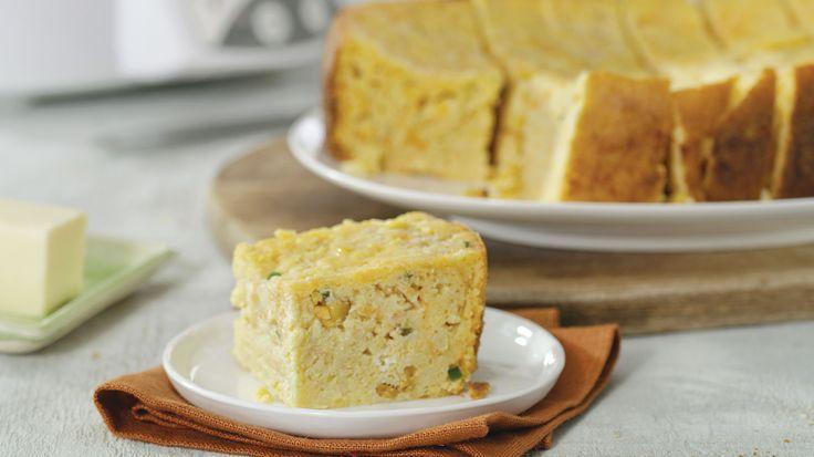 Slow Cooker Cheesy Garlic Cornbread