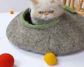 Cat house/Cat bed/Cat cave/Cat vessel. Handmade from natural wool. Grey/Green: Caves Cat Vessel, Beds Cat Caves Cat, Cat Houses Cat, Cat House Cat, Houses Cat Beds Cat, House Cat Beds Cat