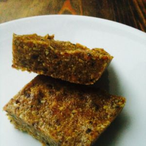 vanilla fig bars! so yummy, cheap, and easy to make. paleo and vegan ...