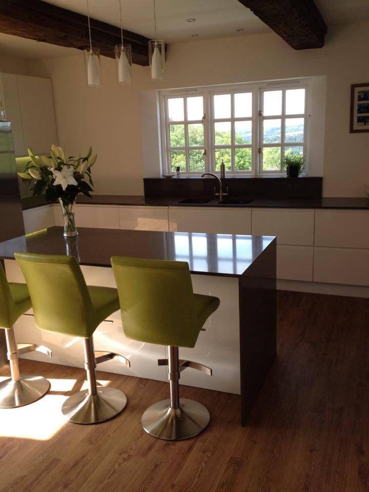 Kitchen breakfast bar, kitchen island, high gloss kitchen, handle ...