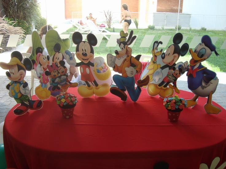 Gigantografias de Mickey y sus amigos