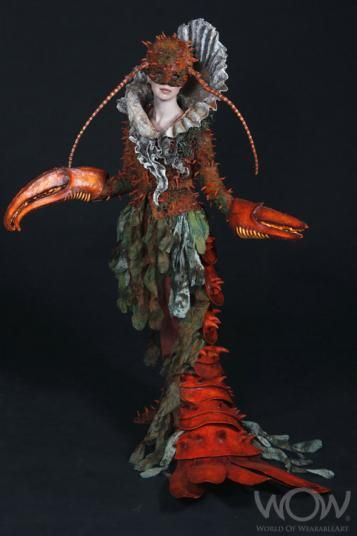 Frickin' cool costuming, from the World of Wearable Art.