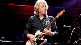Rick Parfitt: Rock world pays tribute to Status Quo guitarist  BBC News