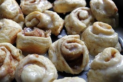 THESE ARE SO GOOD!!!!!! better than Pillsbury Cinnamon rolls! Cinni minis made from crescent roll dough (an old Southern Living recipe).