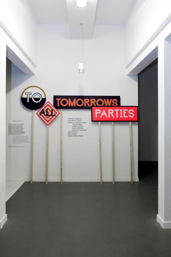 To All Tomorrows Parties01Team Thursday Tents Bord, Logo Design, Design Spacs, Art Design, Graphics Design, Signage, Exhibitions Design, Typography, Environmental