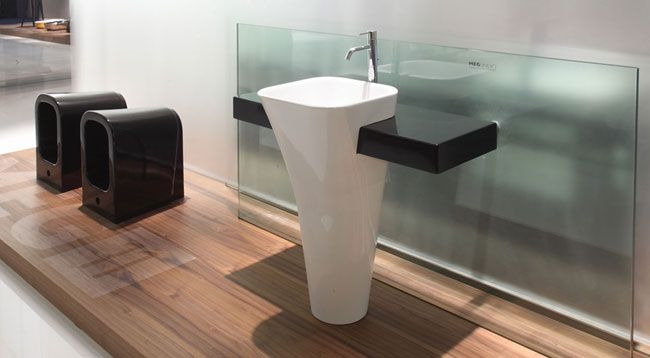 Meg 11 - Washbasin  with shelf ---- Lavabo monolite con mensola, collezione Meg11