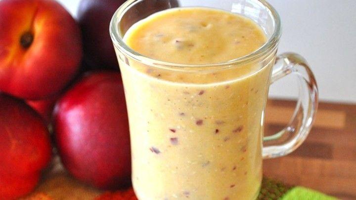 Nektarinkové Smoothie - nektarinky, zmrazený banán, pomeranč, vanilkový jogurt, pomerančový džus, med