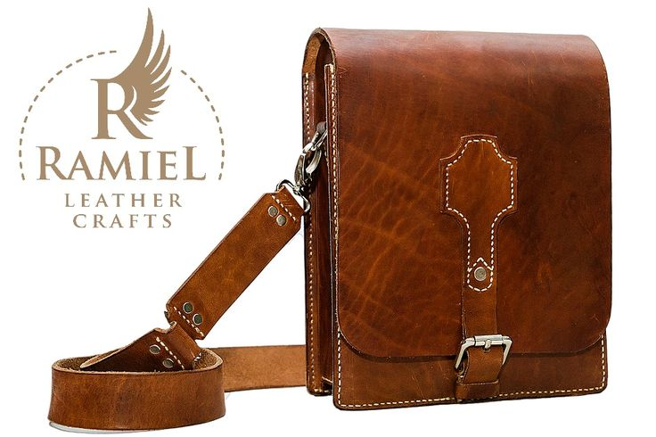 Veg tanned cowhide messenger bag. Size: 25/20/8 cm. Beeswaxed. Hand stiched. #leatherbagshandmade #leathershoulderbags #RamielLeatherCrafts #messengerbags #leatherbags #vegtannedleather #leather #bags #messenger #fullgrainleather