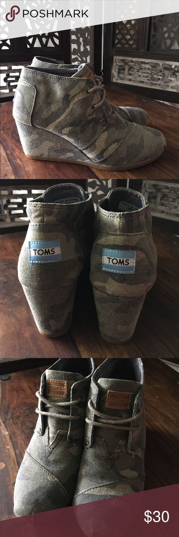 TOMS Camo Wedge Lace up wedge, only worn twice and in excellent condition. Toms Shoes Wedges