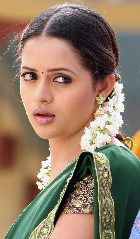 Free hot n sexy actress bhavana images Wallpapers bhavana HD