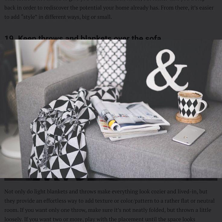 Deixar uma manta no sofá além de agregar estilo pode servir de cobertor para um breve cochilo ou durante um filminho.  #DicaDaRo  contato@rosangelafernandes.arq.br •••••••••••••••••••••••••••••••••••••••••••••••••••••••  #arquitetura #interior #design #inspiration #decoração #laser #paisagismo #descanso #homedecor #house #detalhes #housedesign #instadesign #artlover #exteriordesign #instahome #casa #arquitetos #lifestyle #sofisticação #contemporâneo #iluminação #architecture #casacor #casa…